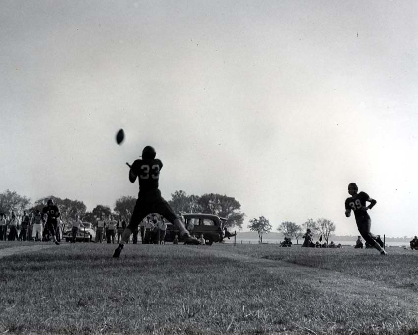 http://www.culver.lib.in.us/gallery_academy/other/cma_football_taber_1950s_2.jpg