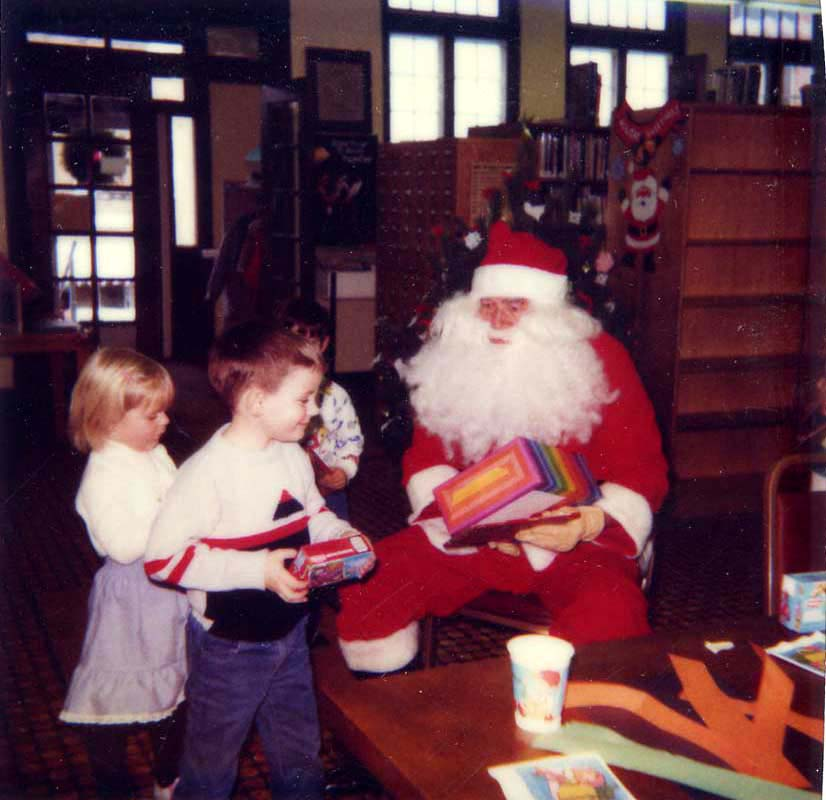 http://www.culver.lib.in.us/gallery_town/buildings-lands/library/culver-public-library-santa-claus-kids-late-1980s.jpg